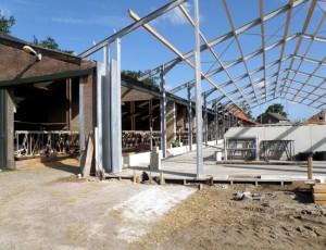 Vergroting koeienstal, Loosbroek, Aannemersbedrijf P.A.M. van Kessel
